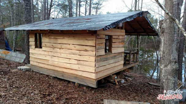 small cabin roof construction