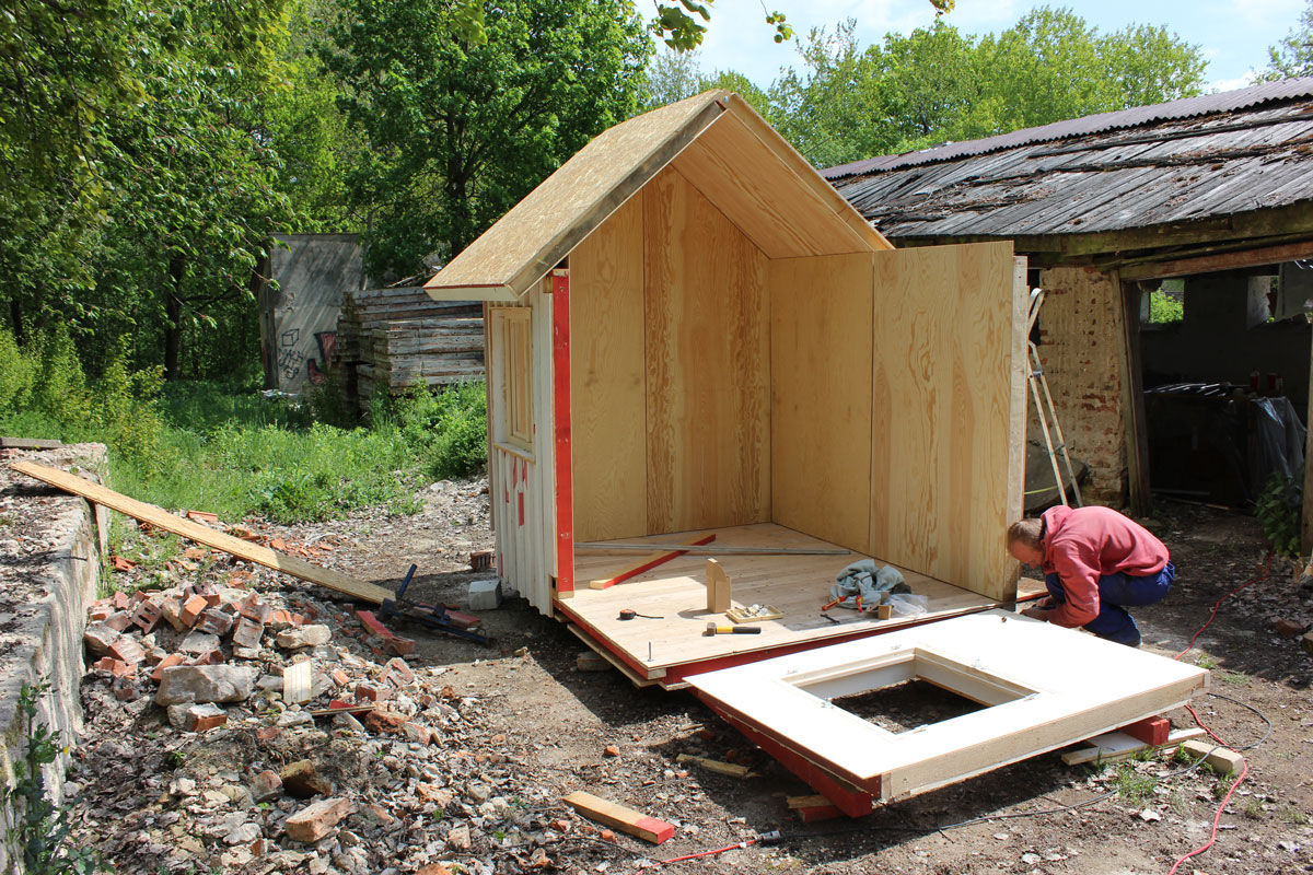 refab tiny house construction continues - Prefab Tiny House